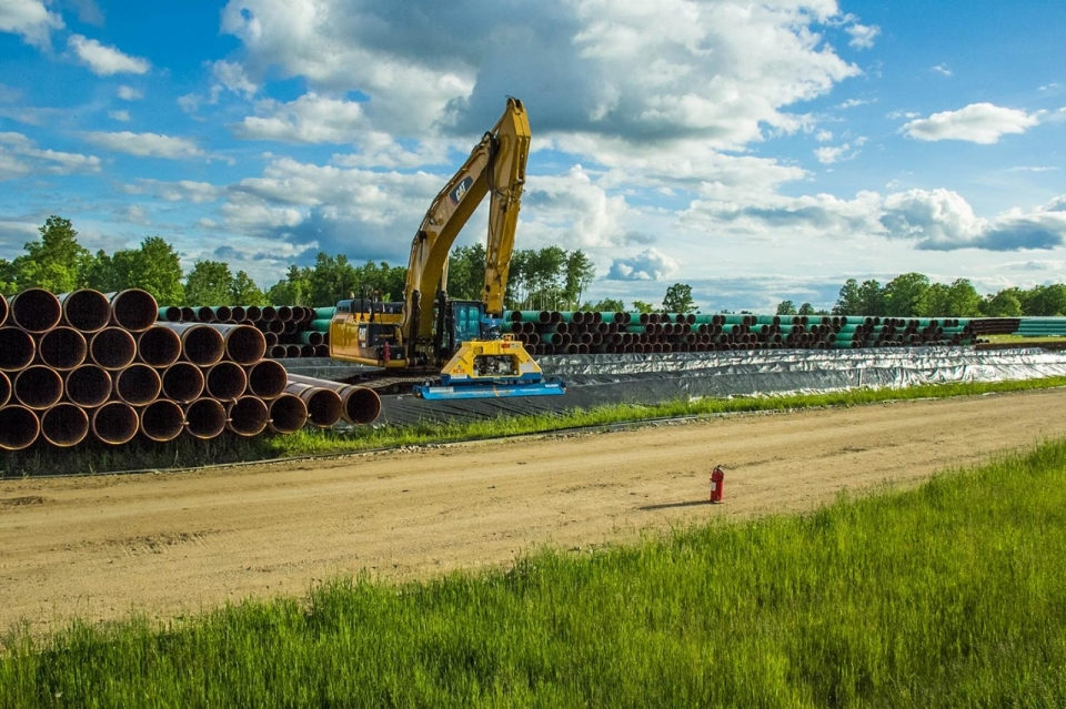 While both sides wait for the Minnesota Public Utilities Commission to approve the Sandpiper route, the pipes have already arrived outside the town of Lake George. © Jolene Yazzie for Al Jazeera America