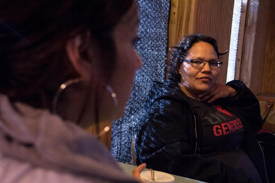 Harm reduction worker Ashley Martin-Stevens meets with Triina. © Jolene Yazzie for Al Jazeera America